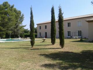 Appartement dans parc arboré avec piscine, Montpellier