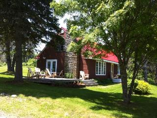 Sand Point House -  Ocean Front Vacation Home, Guysborough