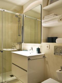 2º Cuarto de baño completo con ducha
