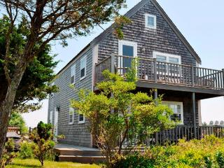 3 Bedroom 2 Bathroom Vacation Rental in Nantucket that sleeps 6 -(3546)