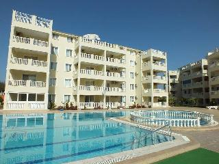 Beautiful 3 Bed Duplex Penthouse Apartment, Altinkum
