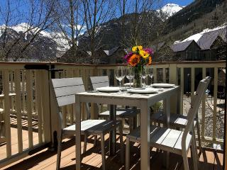 Modern Telluride Townhouse! In Town, Deck, Views, Walk to Chair 7