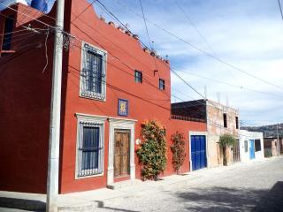 Pet-Friendly 3 Story House in Colonia Santa Julia, San Miguel de Allende