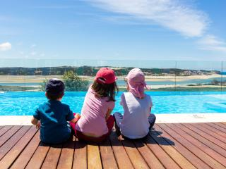 Large Family Villa_kids friendly_free pool heating, Foz Arelho