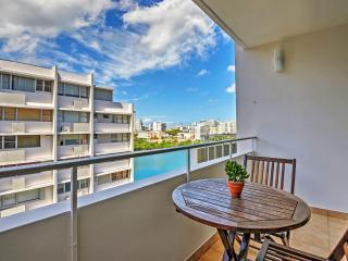 Darling 1BR San Juan Condo in the Heart of Condado w/Wifi, Private Terrace & Spectacular Lagoon Views - Walk to the Beach, Fine Dining, Nightlife & Shopping on Ashford Avenue!