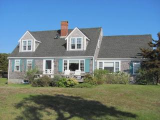 3 Bedroom 2 Bathroom Vacation Rental in Nantucket that sleeps 8 -(9861)