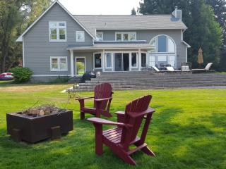 200' Park-Like Waterfront -- Primary Home+Guest, Sagle
