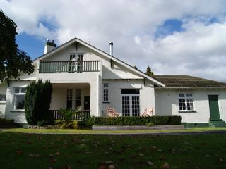 The Manor - Gorgeous, quiet and central, Rotorua