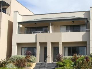 Pier Number 10 Executive apartment, Kingscote