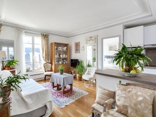 Delightful one-bedroom at the bottom of Sacre Coeur, Paris