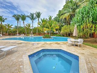 New Listing! Precious 3BR Vega Baja Oceanfront Condo w/Wifi, Pool Access, Huge Private Terrace & Gorgeous Ocean Views - Near Beaches, Horseback Riding, Bike Trails, Outdoor Activities & More!