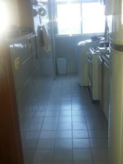 Cozinha geladeira, fogão e máquina de lavar