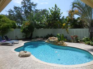 Paradise in Wilton Manors 2/2 Private Pool Home