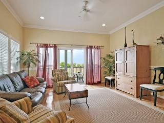 3 bdrm town home at Water's Edge, gorgeous views, walk to town! Free Wifi!