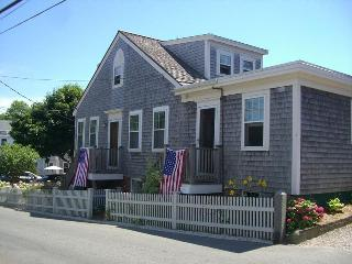 Cozy One Bedroom in Provincetown's West End!