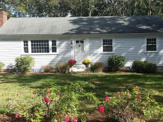 Cute 3 Bedroom Near Harwichport Center, Harwich Port