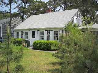 4 BD/3 BTH, Close to Lifeguard Protected Town Beach