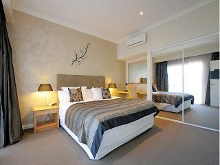 Burns Beach Bed & Breakfast - Westside room, Perth