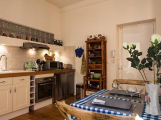 PRIME LOCATION in OLD NICE, Niza