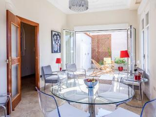 APARTMENT WITH TERRACE SEASONAL OR TOURISTIC STAY, Valencia