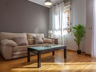 APARTMENT TO RENT WITH PARKING AND POOL