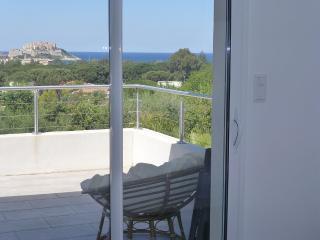 Tres belle villa vue mer, piscine privee avec barrieres, calme...