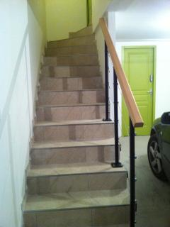 l'escalier du garage à l'appartement