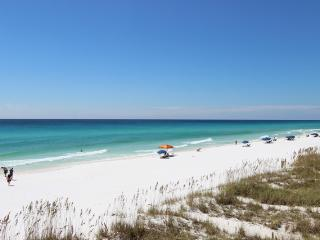Beachfront townhome with gulf views!!! Private beach access!