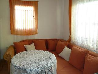 3 bed apartment only 150m from the festival site