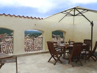Maison avec terrasse tropezienne pour 8 personnes, Roquefort-des-Corbieres