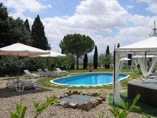 5 bedroom Villa in Cortona, Tuscany, Italy : ref 1009001