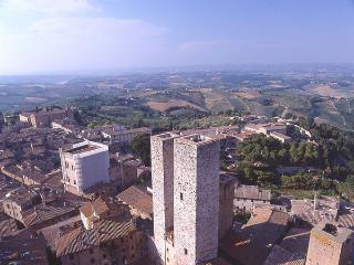 2 bedroom Apartment in San Gimignano, Tuscany, Italy : ref 1067001