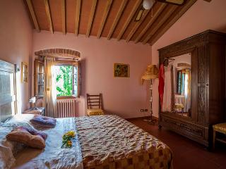 Apartment Cozy in Traditional Farmhouse in green Hills nearby Florence