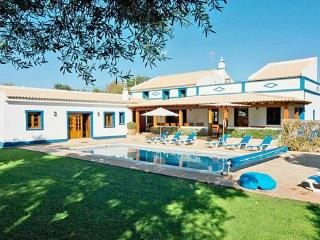 4 bedroom Villa in Boliqueime, Central Algarve, Portugal : ref 1717072, Cerca Velha
