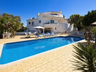 3 bedroom Villa in Terras Novas, Faro, Portugal : ref 5239035