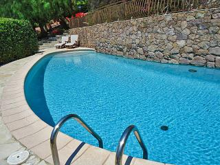 5 bedroom Villa in Theoule-sur-Mer, Provence-Alpes-Cote d'Azur, France : ref 524