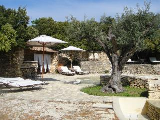 7 bedroom Villa in Gordes, Provence-Alpes-Cote d'Azur, France : ref 5247282