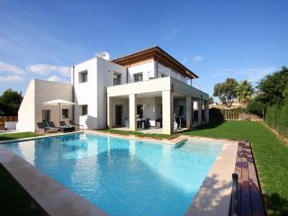 5 bedroom Villa in Puerto Pollenca, Mallorca, Mallorca : ref 2006079