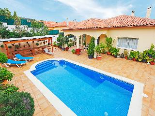 3 bedroom Villa with Pool and WiFi - 5043913