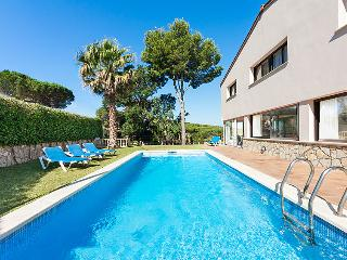 4 bedroom Villa in S'Agaro, Costa Brava, Spain : ref 2007949, S'Agaró