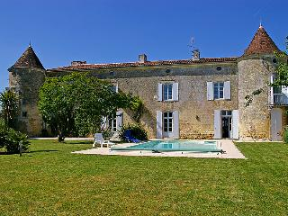 6 bedroom Villa in Gémozac, Nouvelle-Aquitaine, France : ref 5046857