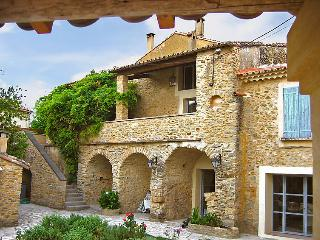 5 bedroom Villa in Bagnols sur Ceze, Gard Lozere, France : ref 2008228