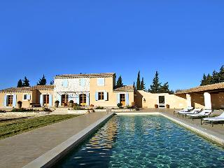 5 bedroom Villa in Chateaurenard, Provence, France : ref 2008266