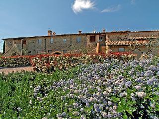 3 bedroom Apartment in Colle Val d Elsa, Chianti, Italy : ref 2215344