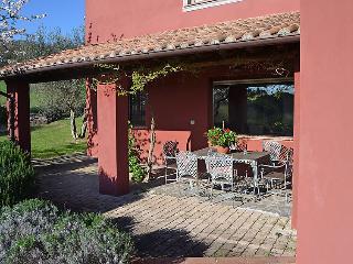 4 bedroom Villa in Passignano sul Trasimeno, Umbria, Italy : ref 2008744
