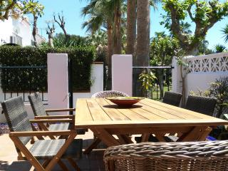 Modern spacious house, decorated to high standard, Conil de la Frontera