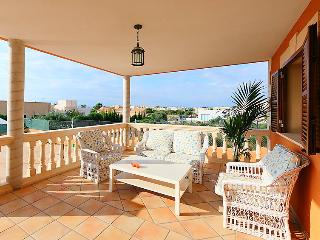 4 bedroom Villa in Llucmajor, Mallorca : ref 2010102