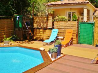 Gite MIMOSA, MONTELIMAR Piscine-Parking-Internet
