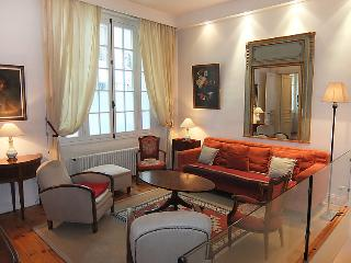 4 bedroom Apartment in Paris 17, Ile de France, France : ref 2011564, Levallois-Perret
