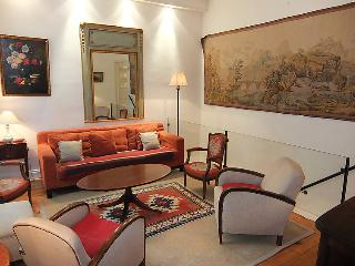 4 bedroom Apartment in Paris 17, Ile de France, France : ref 2011564